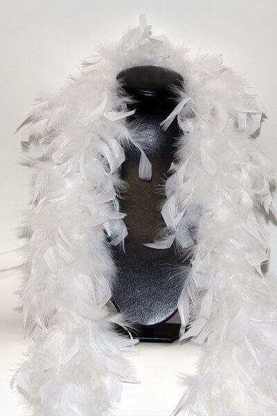 weiße Federboa